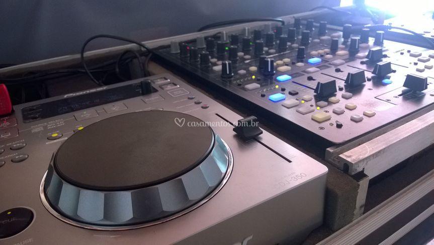 Setup - DJ Justino