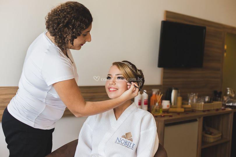Maquiagem e penteado