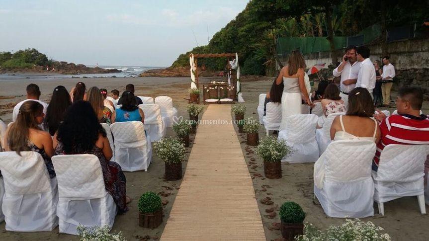 Cerimônia na praia de Itanhaém