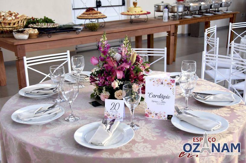 Detalhe mesa convidados
