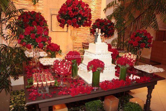 Mesa de Bola com flores