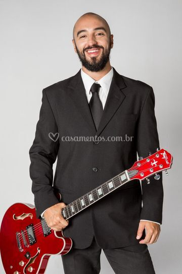 Brunno Bonelli - Voz/Guitarra
