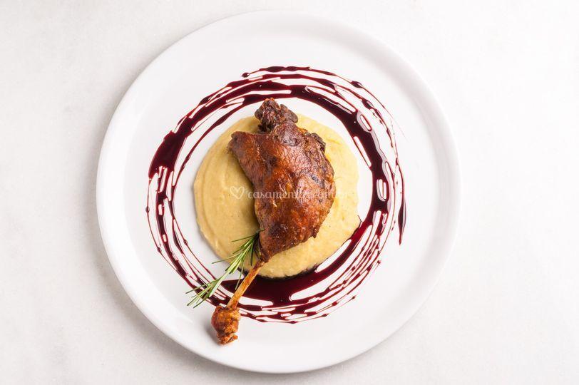 Pato com purê de batata doce