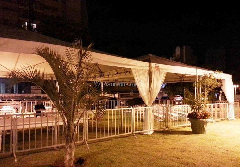 Tenda ornamentada