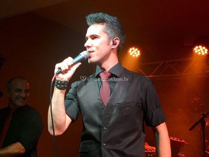 Marlon Araújo cantor