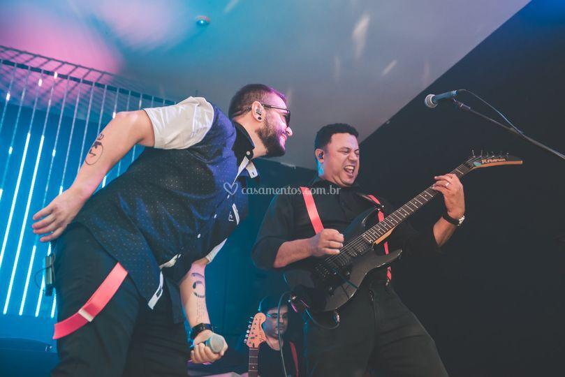 Faz essa guitarra chorar Sam!