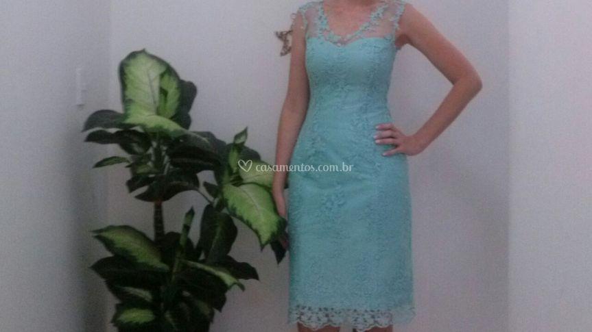 34d81debf6 Vestido renda azul de Cláudia Alta Costura