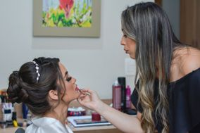 Aline Luz Makeup Artist