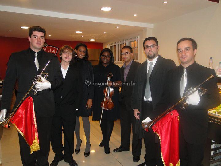 Violino, clarim, piano e voz