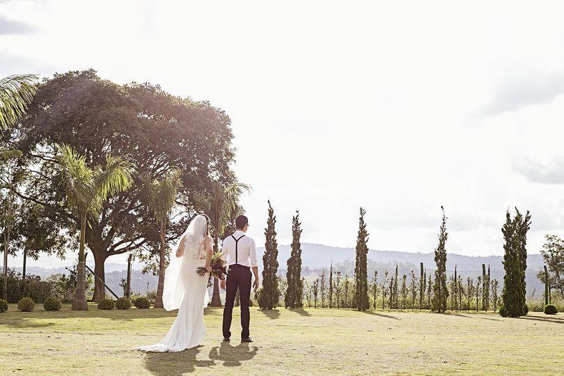 Chegando próxima do noivo