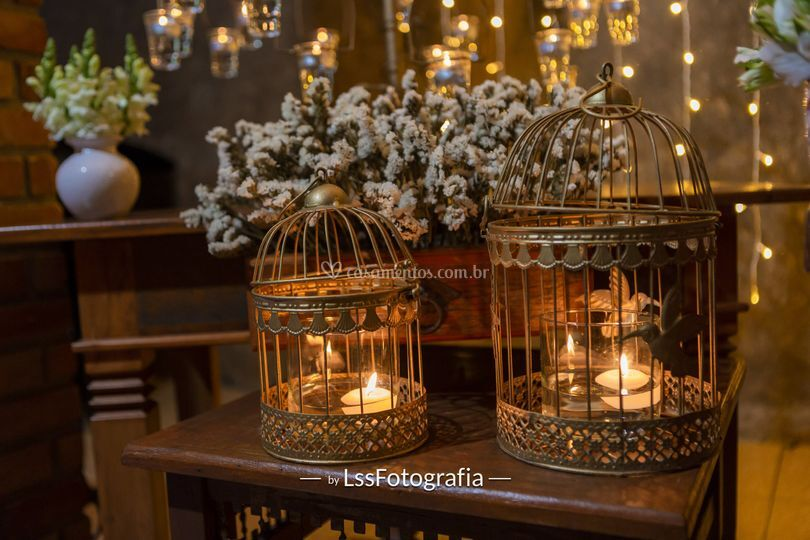 Gaiola dourada velas