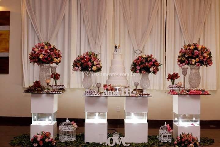 Mesa de bolo flores naturais