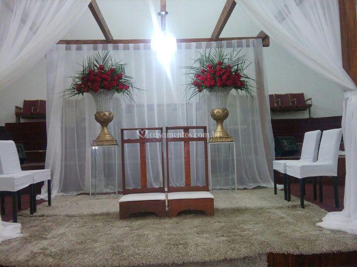 Altar com pergolato rústico