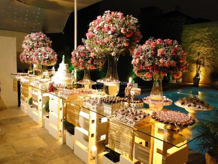 Mesa de bolo e doces de Open House