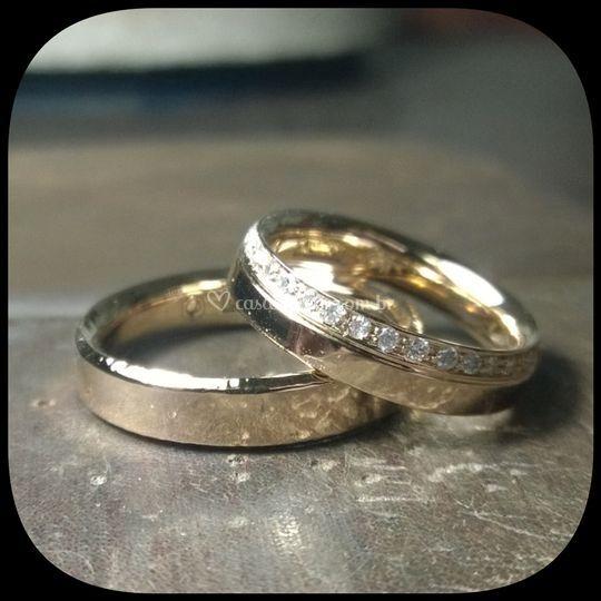 Alianças Ouro Rosé e Diamantes