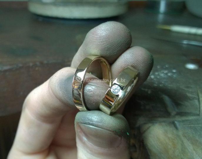 Alianças Ouro 18k e Diamante