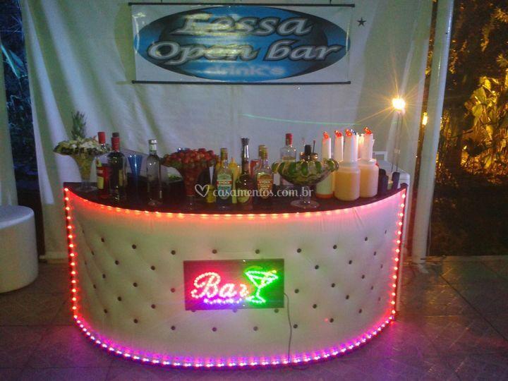 Open bar iluminado