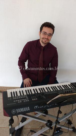 Tecladista Léo Portela