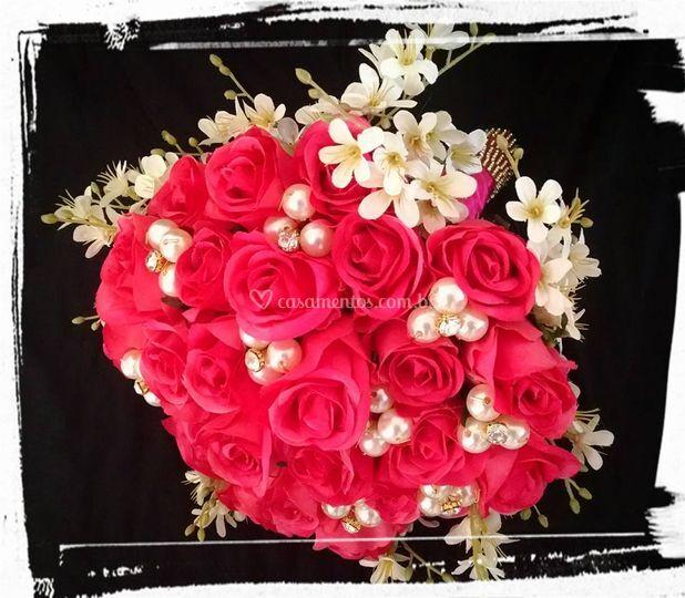 Buquê de rosas artificiais
