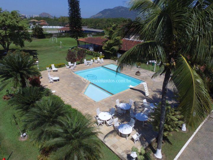 Nossa área da piscina