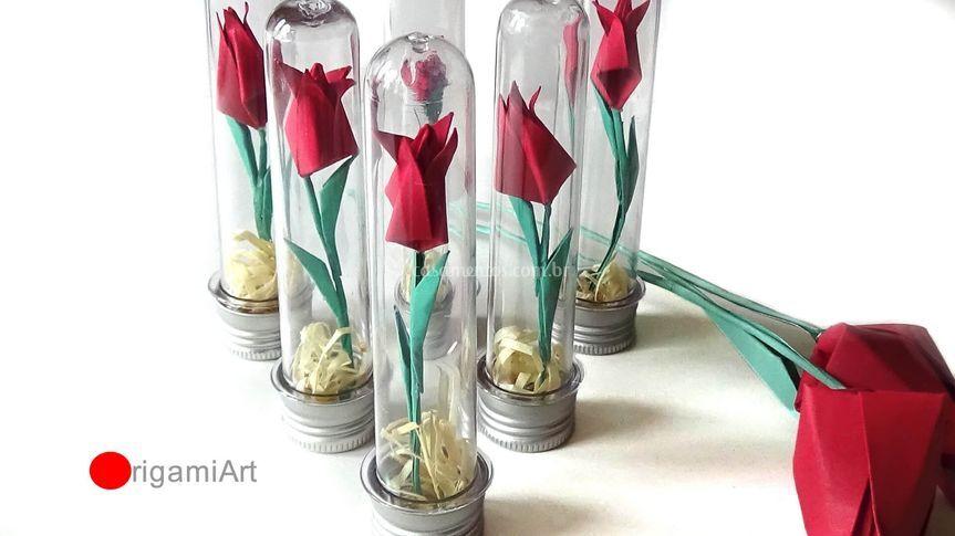 Lembrança - tubetes de tulipa