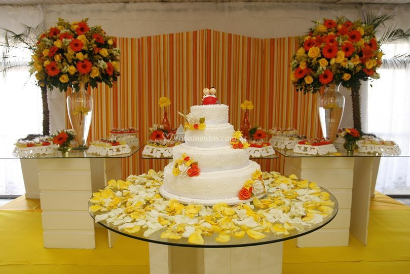 Bolo e doce casamento matinal