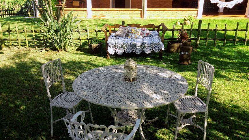 Sombras e mesa
