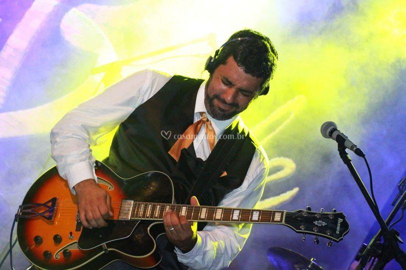 Mestre das Guitarras