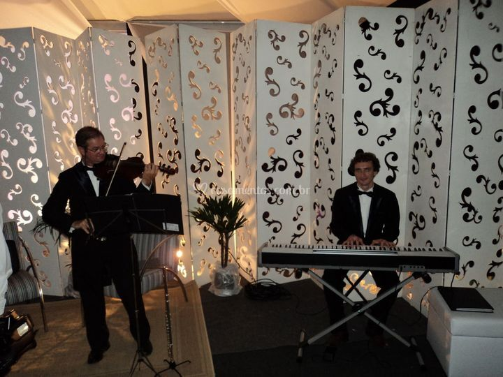 Violino e Piano elétrico