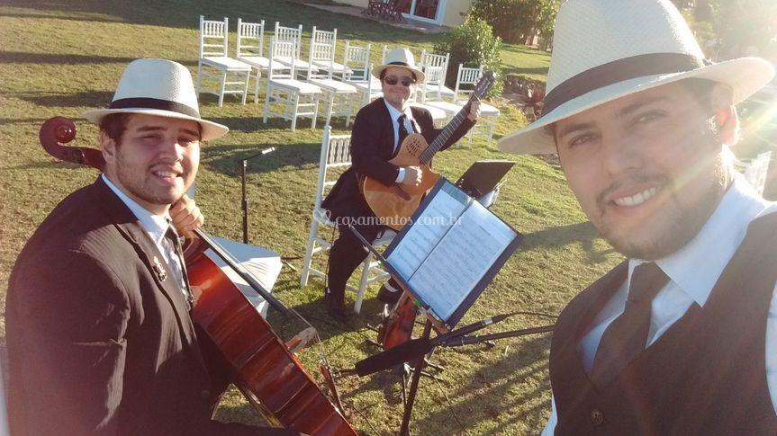 Violino cello e violão