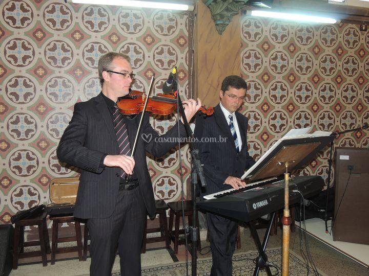 Violino e Teclado