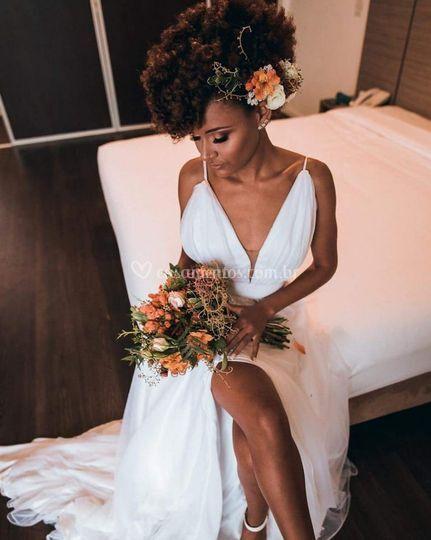 Coroa e buquê para noiva