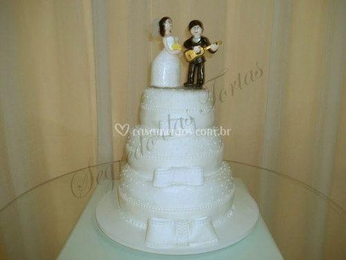 Bolo de casamento personalizado