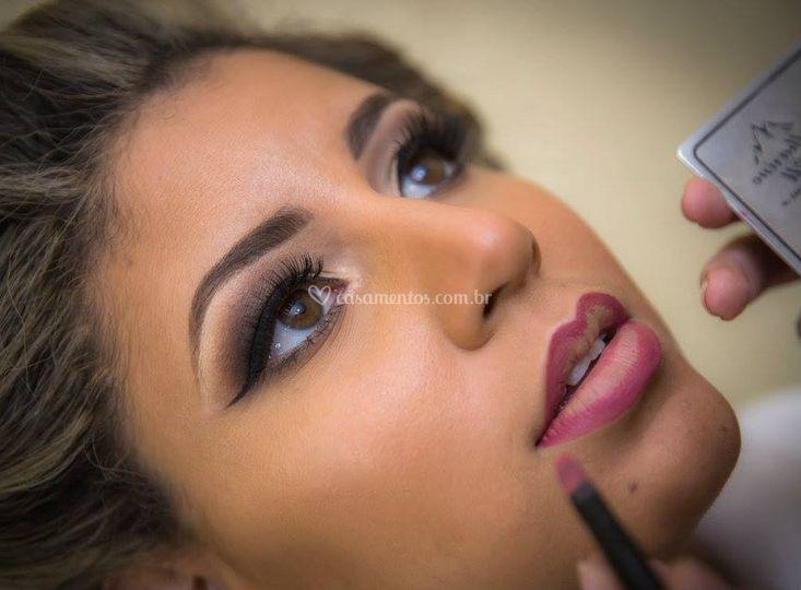 Ellaine Calandrine Make Up