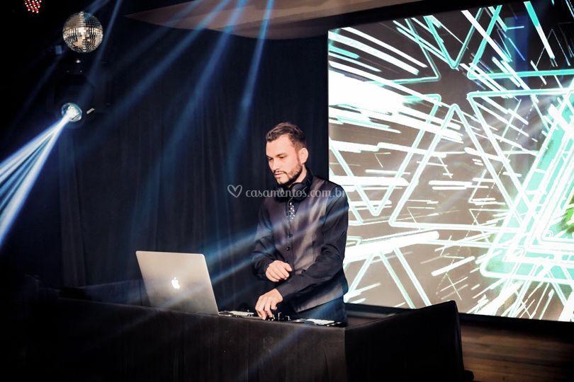 DJ Felipe Adriano