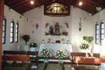 Preparando altar de Oficina das Flores