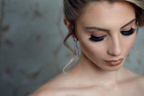 Paola Chalupp Makeup