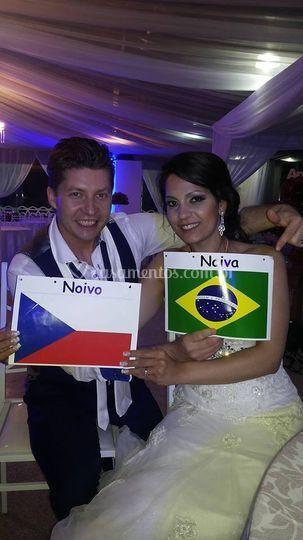 Flaviana (BR) e Robert (Tcheco