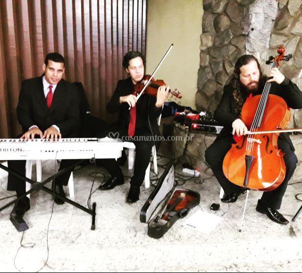 Trio cordas e piano