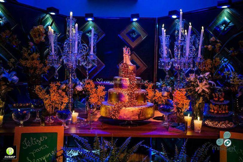 Mesa de bolo iluminada