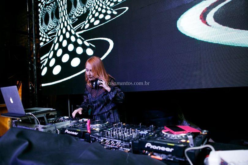 DJing by Simone Borth