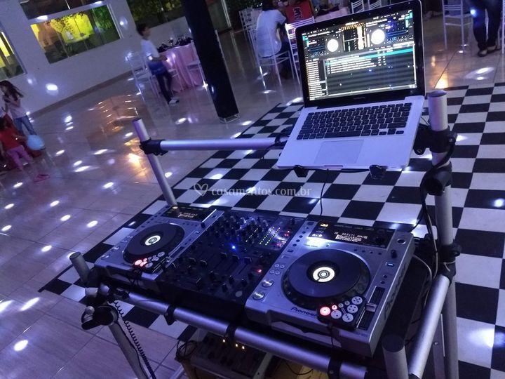 DJ Leandro Abel