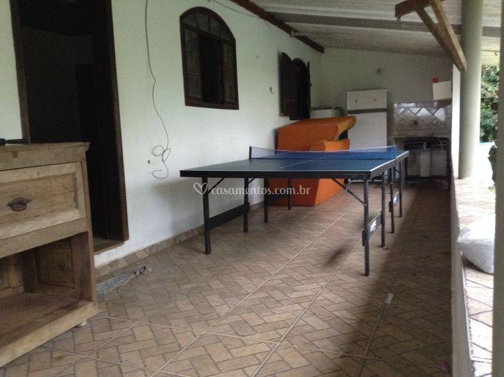 Mesa de ping pong e pebolin