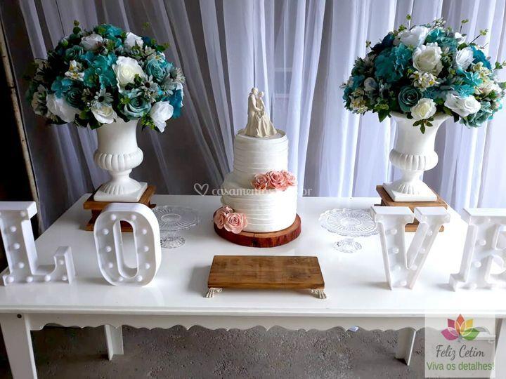 Arranjo Tiffany e Branco