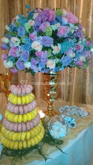 Decoração para mesa de doces