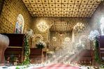 Dentro da igreja de Alex Milesi