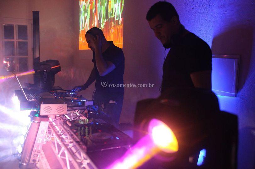 DJ  pista dança