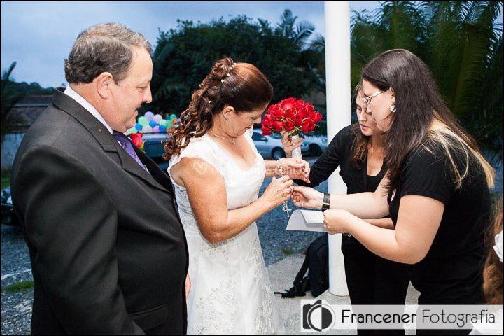 Arrumando a noiva!
