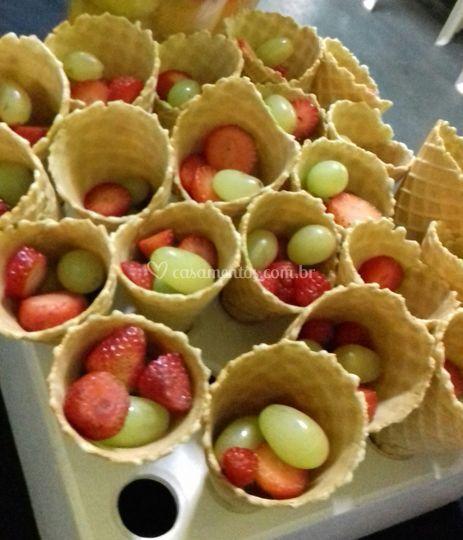Casquinhas com frutas de acomp