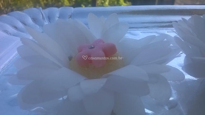 Docinho com flor